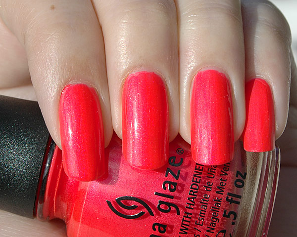 china_glaze_surfin_for_boys_1_1